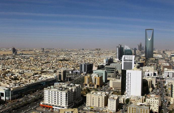 سفارة اليمن في الرياض ترفض إساءات أحد مستشاريها للسعودية
